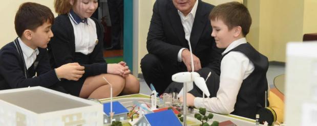Сергей Собянин открыл самую большую школу в России