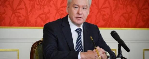 Собянин из-за снегопада объявил свободное посещение в школах Москвы