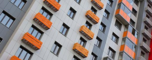 Места двух долгостроев на северо-западе Москвы отдадут под реновацию