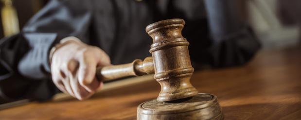 В суде напали на пристава