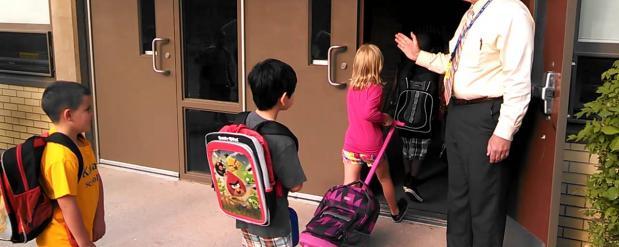 В столице напоминают о том, что работает сервис контролирующий посещение учебных заведений детьми